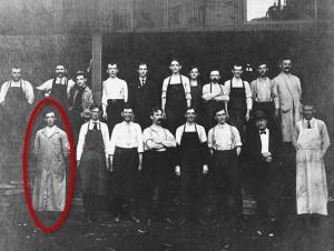 Schoch Grocery Employees, 1905-2